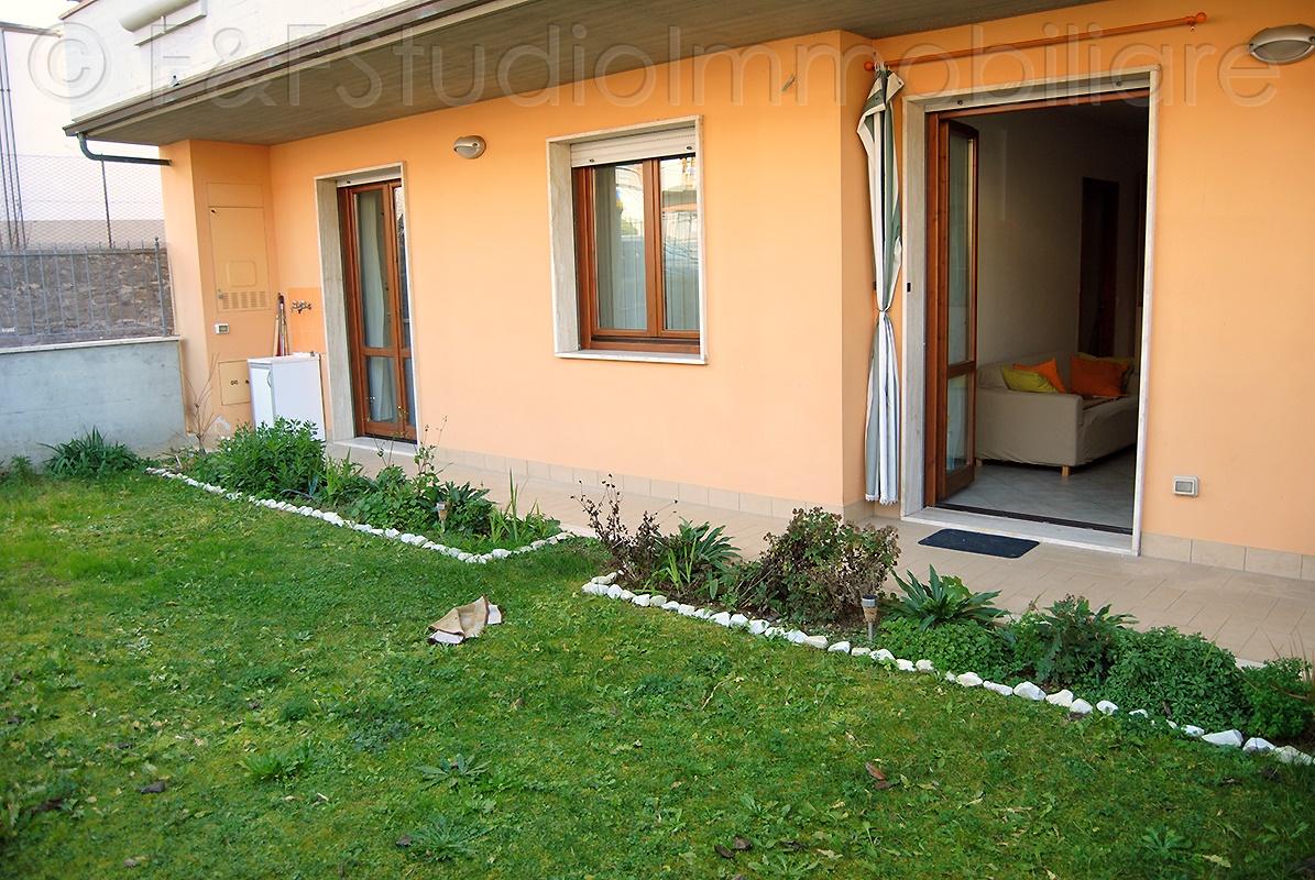 Appartamento di 3 vani con giardino, garage e cantina – B/475