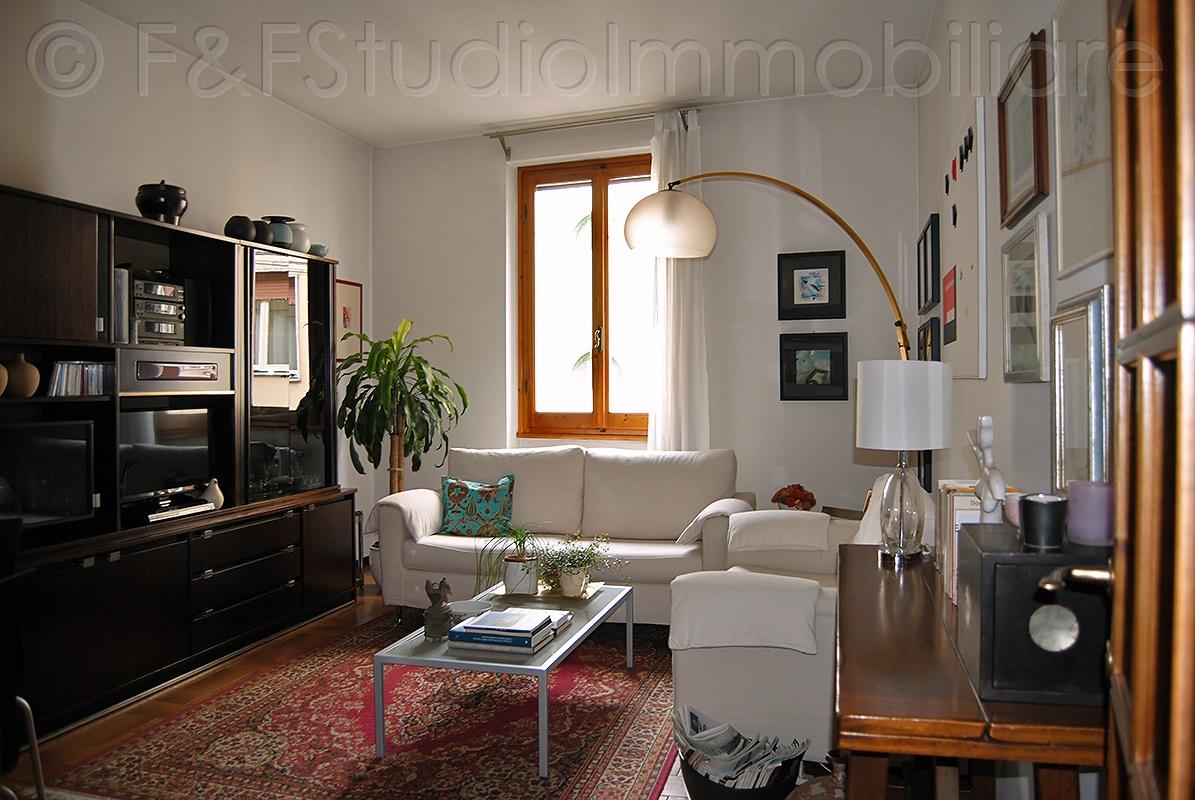 Ampio e luminoso appartamento di 5 vani. Buone condizioni – D/235