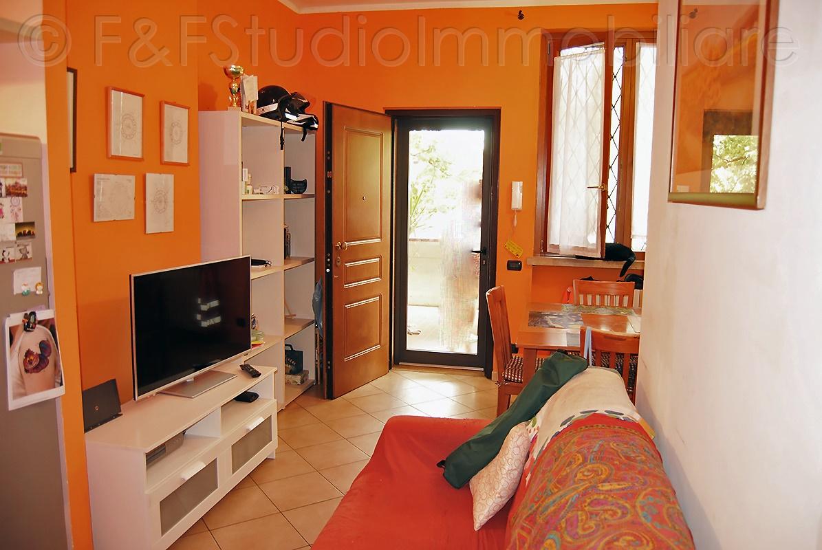 Appartamento di 3 vani con terrazza abitabile. Ingresso semi indipendente – B/535